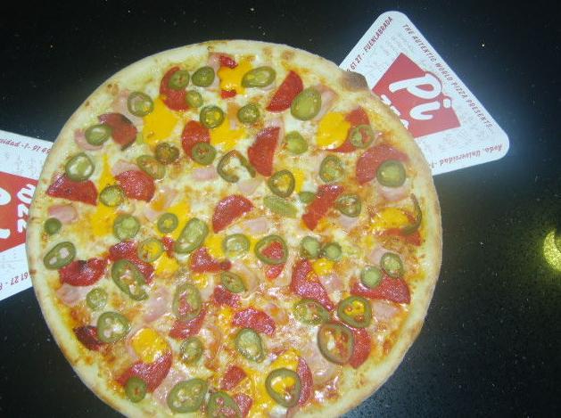 Servicio a domicilio de pizzas, pastas, ensalada, postres, refrescos, cervezas
