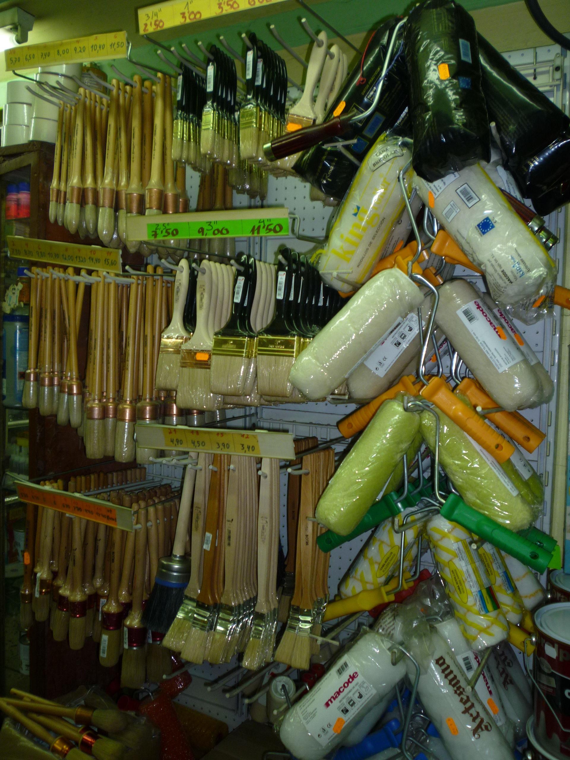 Toda clase de accesorios para la aplicación de la pintura