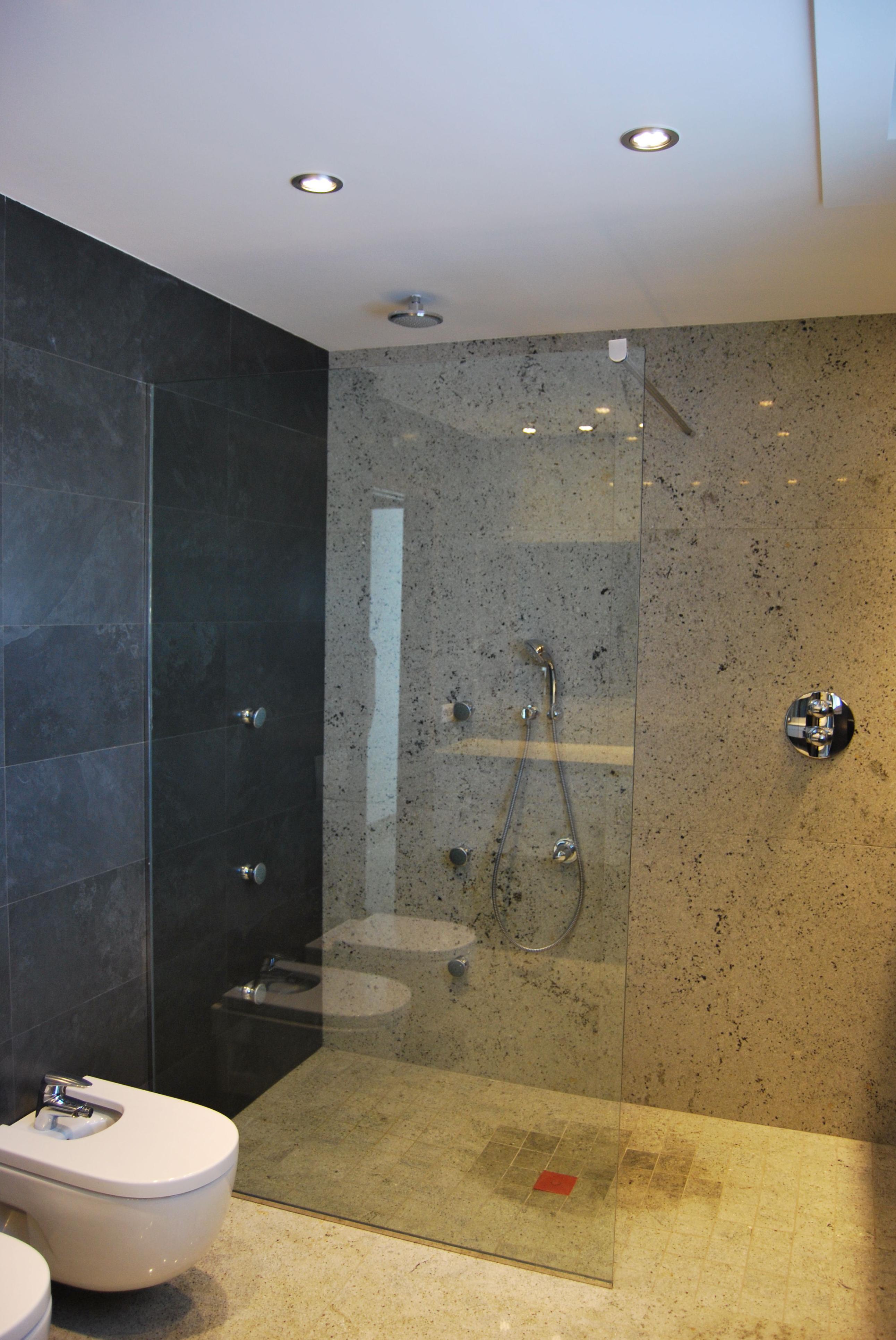 Mampara de ducha productos y sevicios de rafelmetal s l for Articulos de ducha