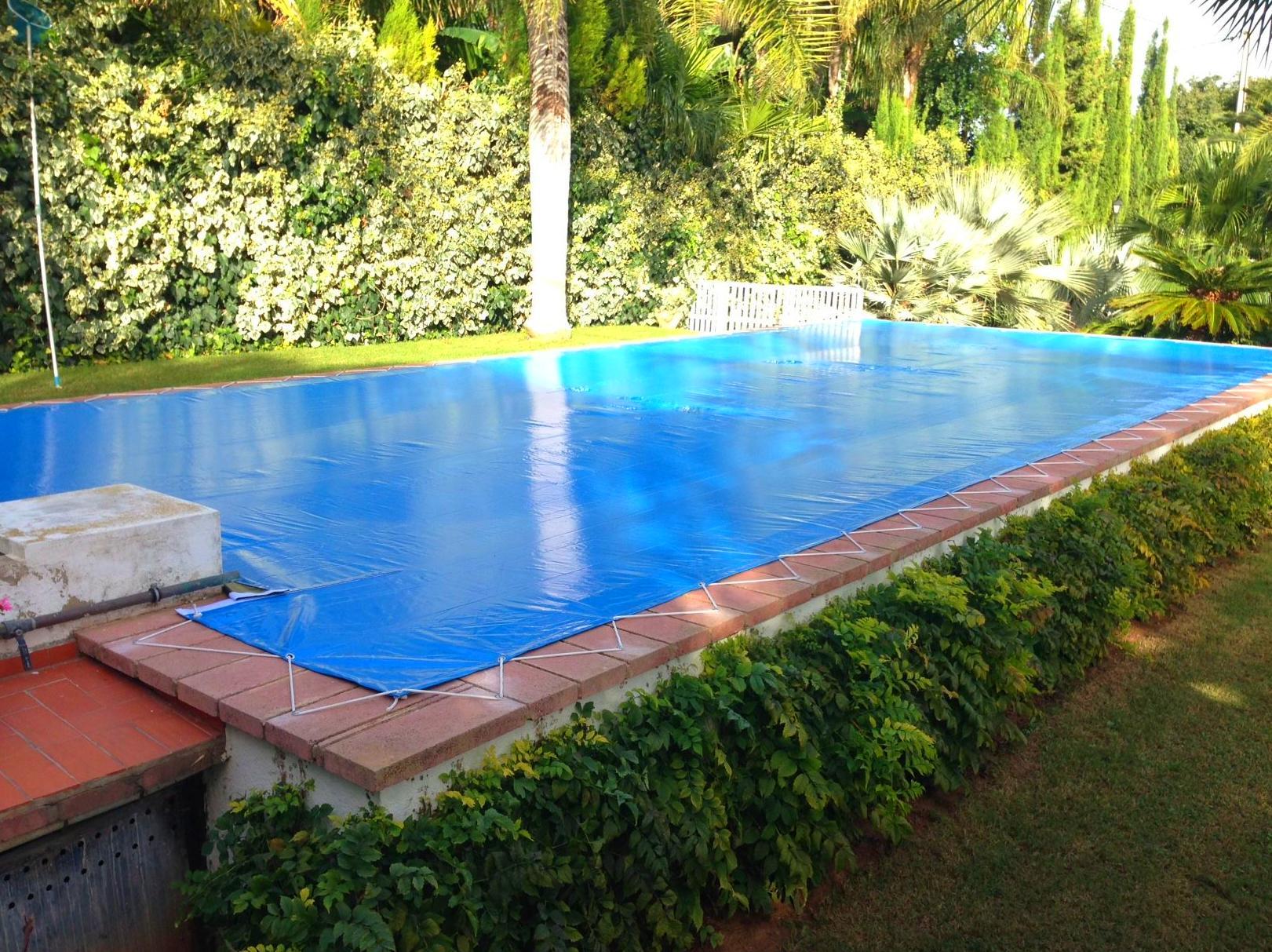 Lona cubre piscinas productos y sevicios de rafelmetal s l for Productos para piscinas