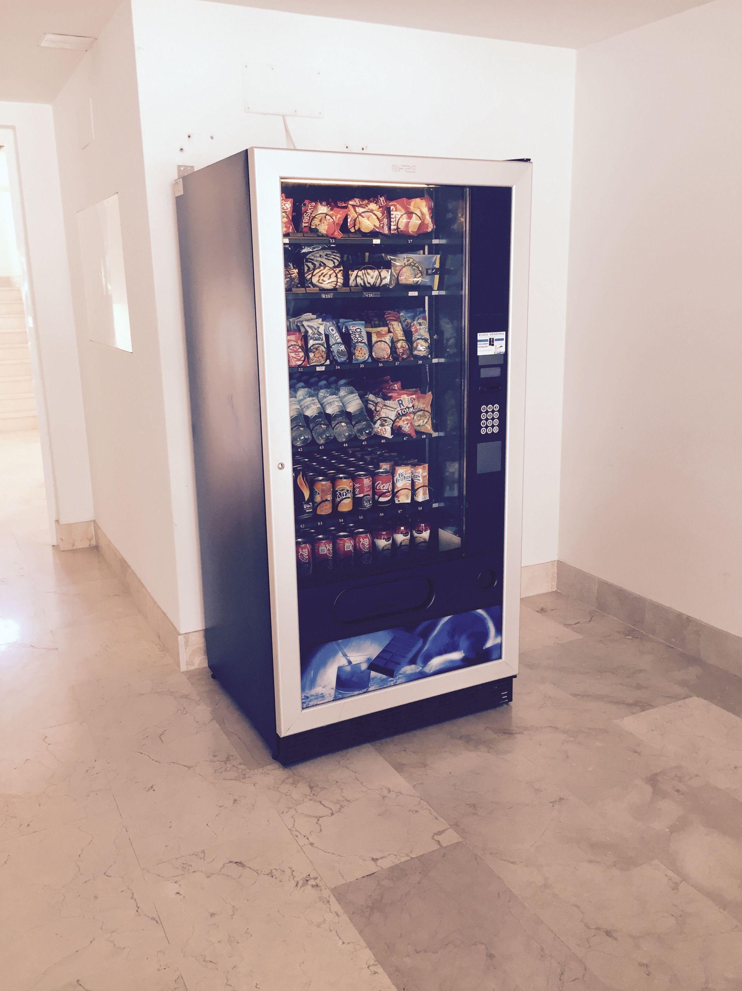Empresa consolidada en servicios con máquinas expendedoras