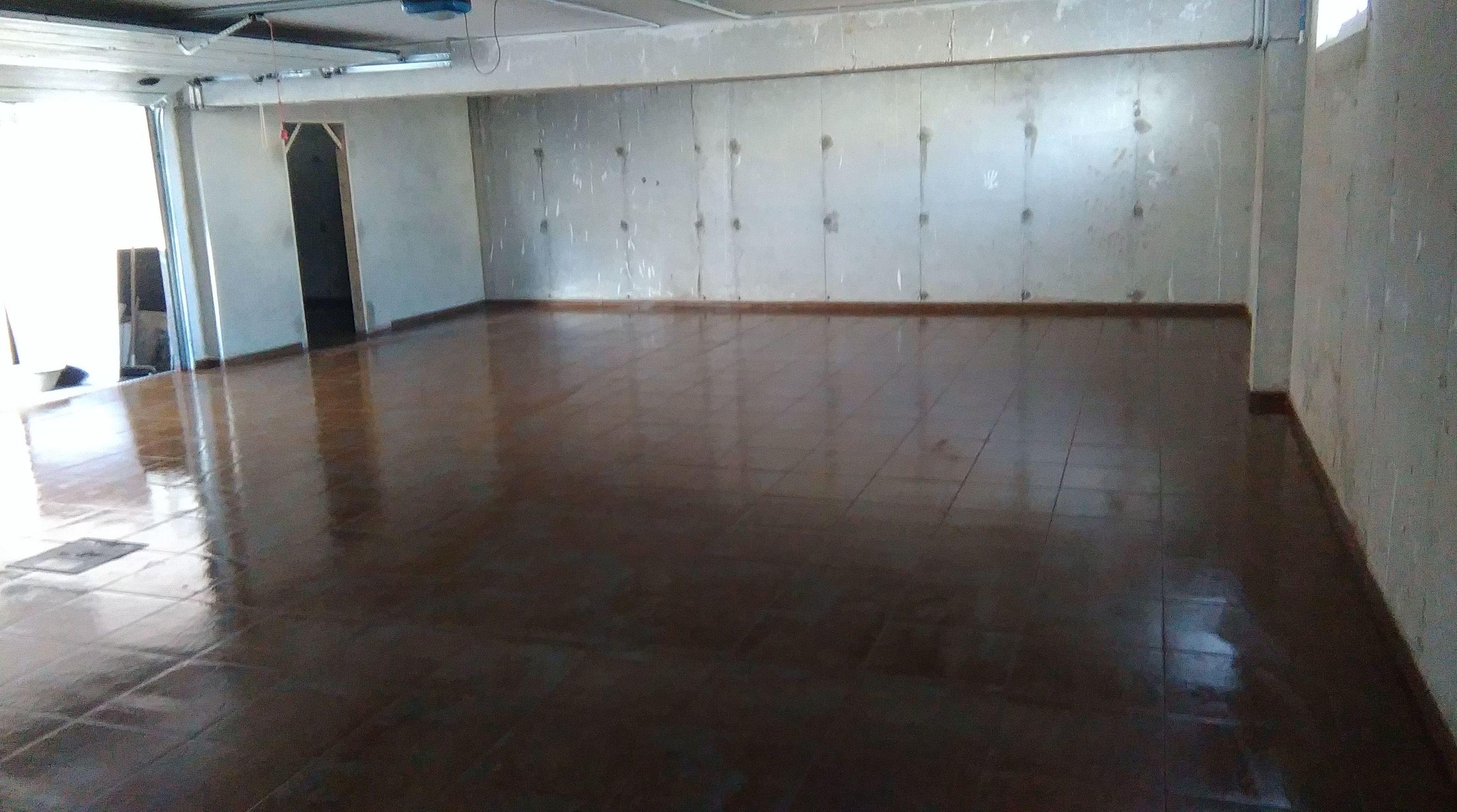 pavimento de gres en garaje
