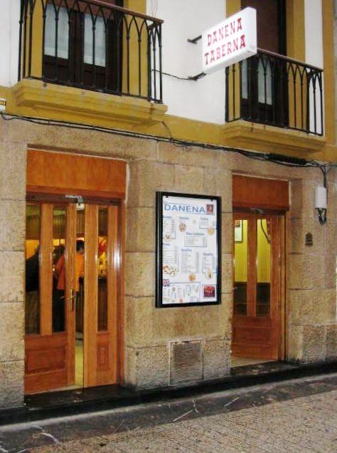 Foto 8 de Bares de tapas en Donostia-San Sebastián | Bar Danena