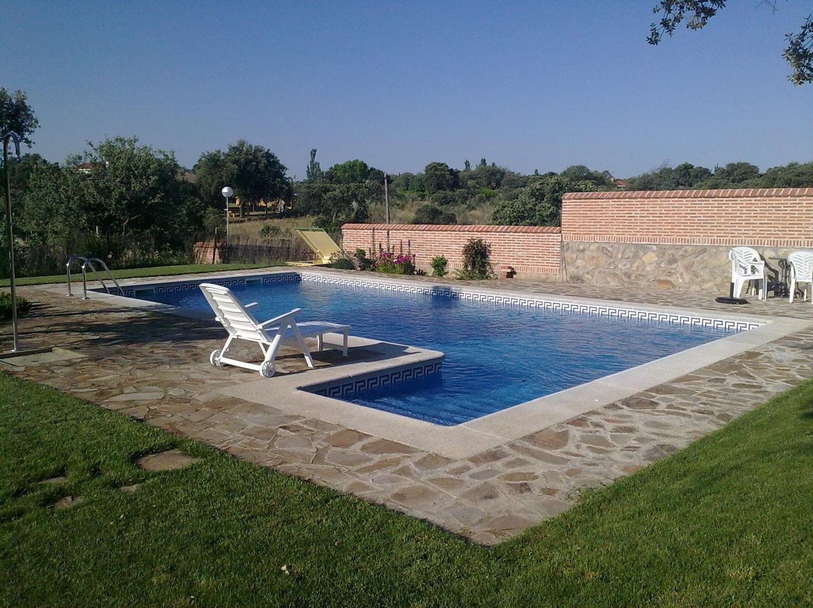 Foto 10 de Piscinas (instalación y mantenimiento) en Talavera de la Reina | Piscicolor, S.L.