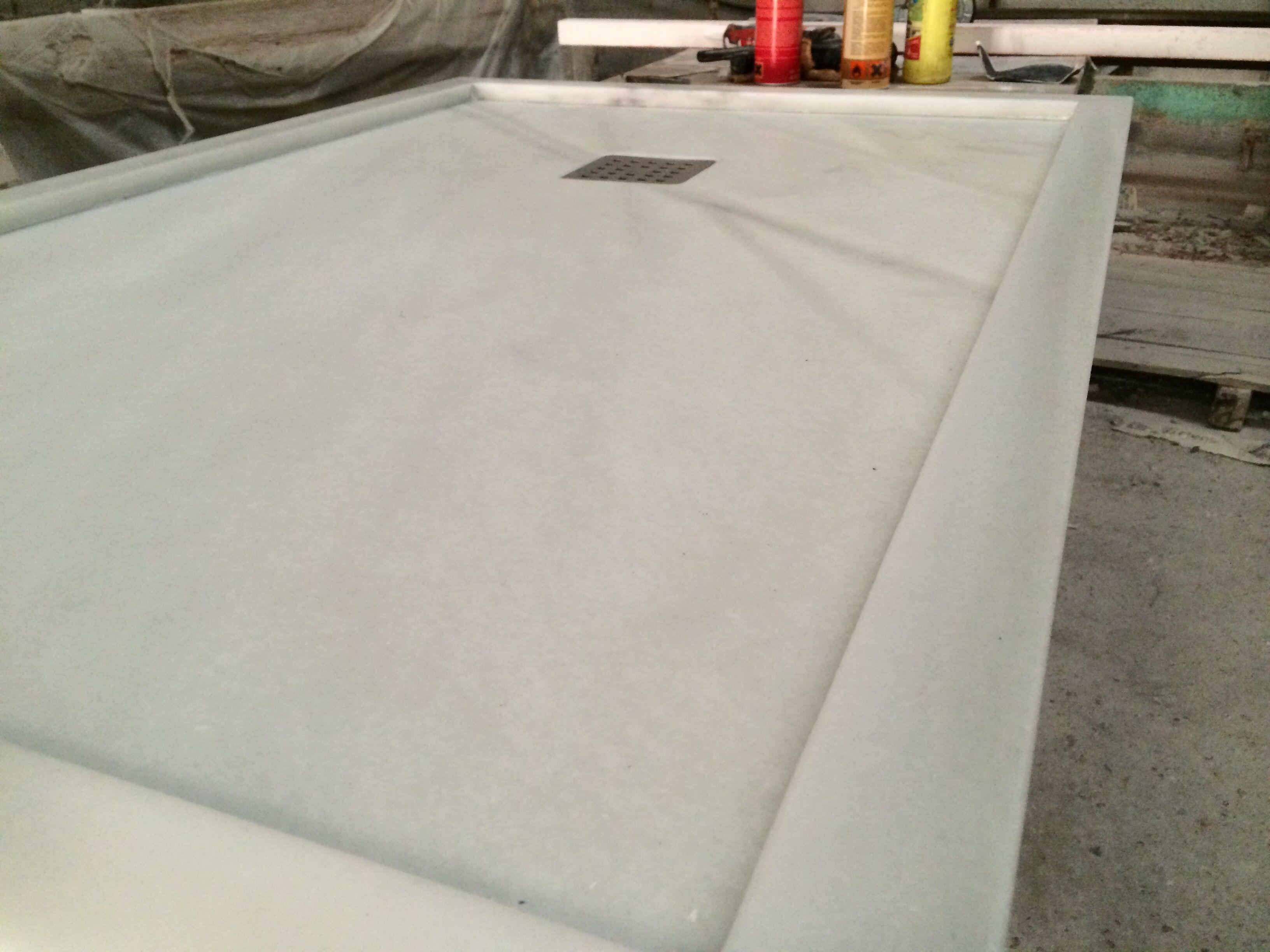 Platos de ducha en marmol natural for Marmol para ducha