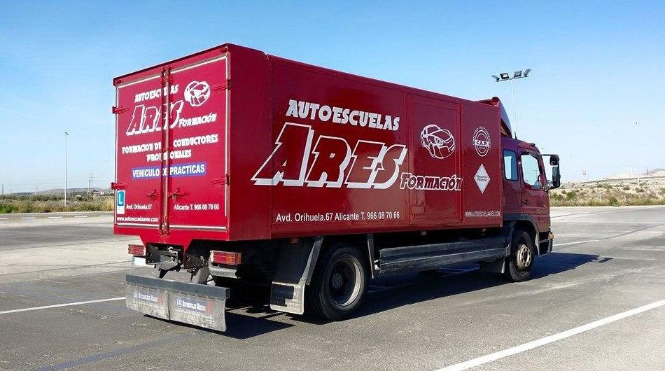 Clases prácticas de conducir camiones