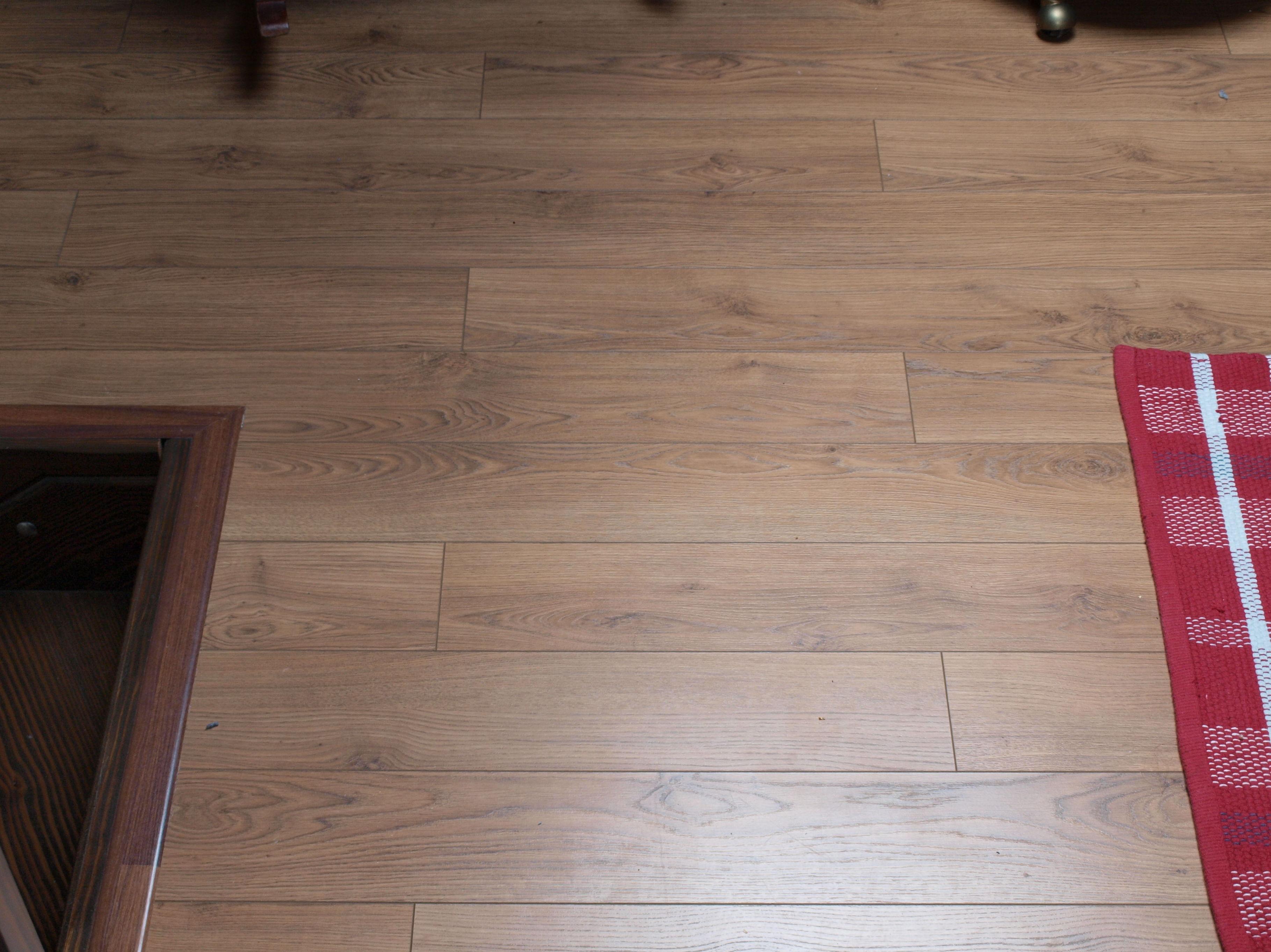 Instalacion suelo laminado cool instalar suelo laminado - Cuanto cuesta poner parquet en un piso ...