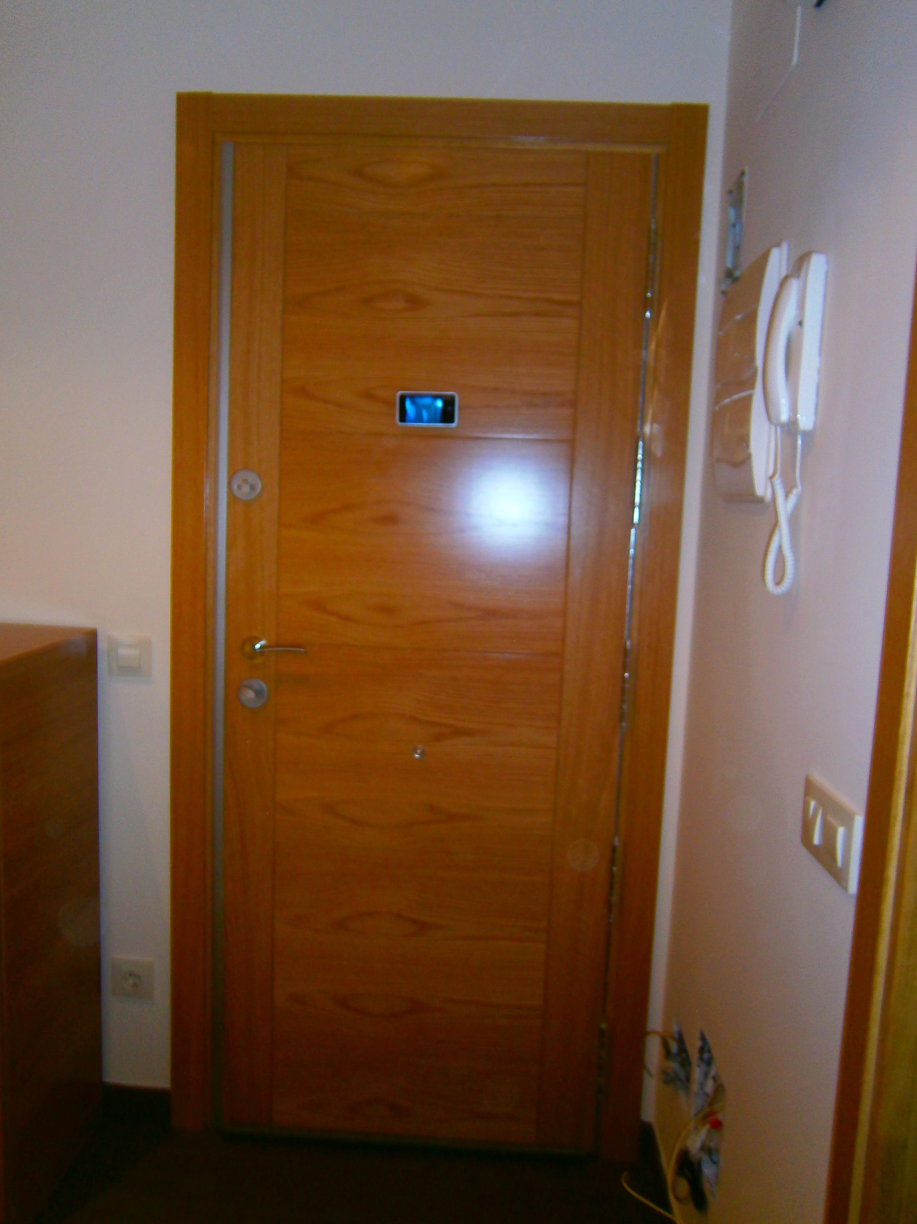 Regalo de mirilla digital con su puerta blindada - Mirillas digitales para puertas ...