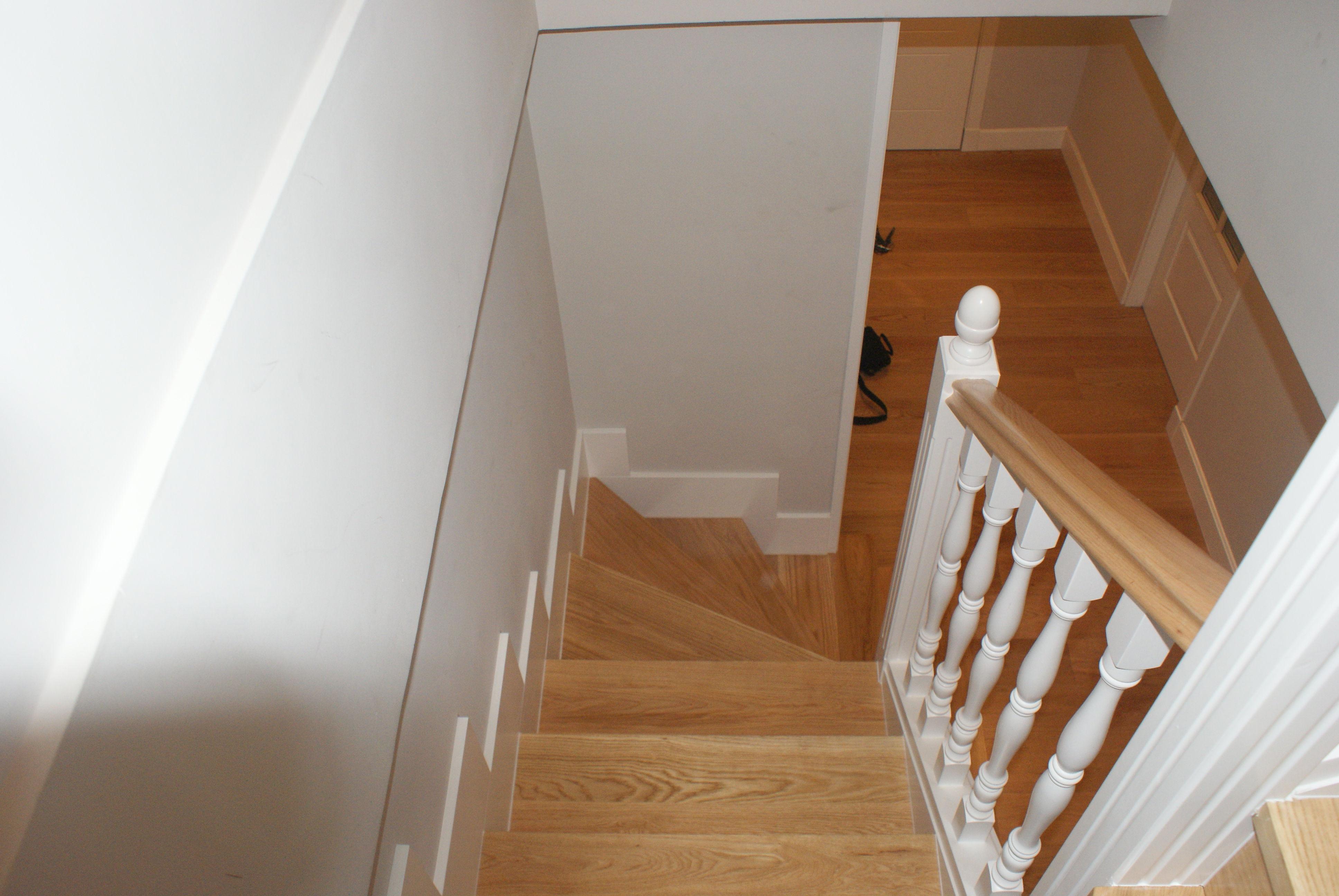 Escaleras de madera a medida lacadas cat logo de - Escaleras a medida ...