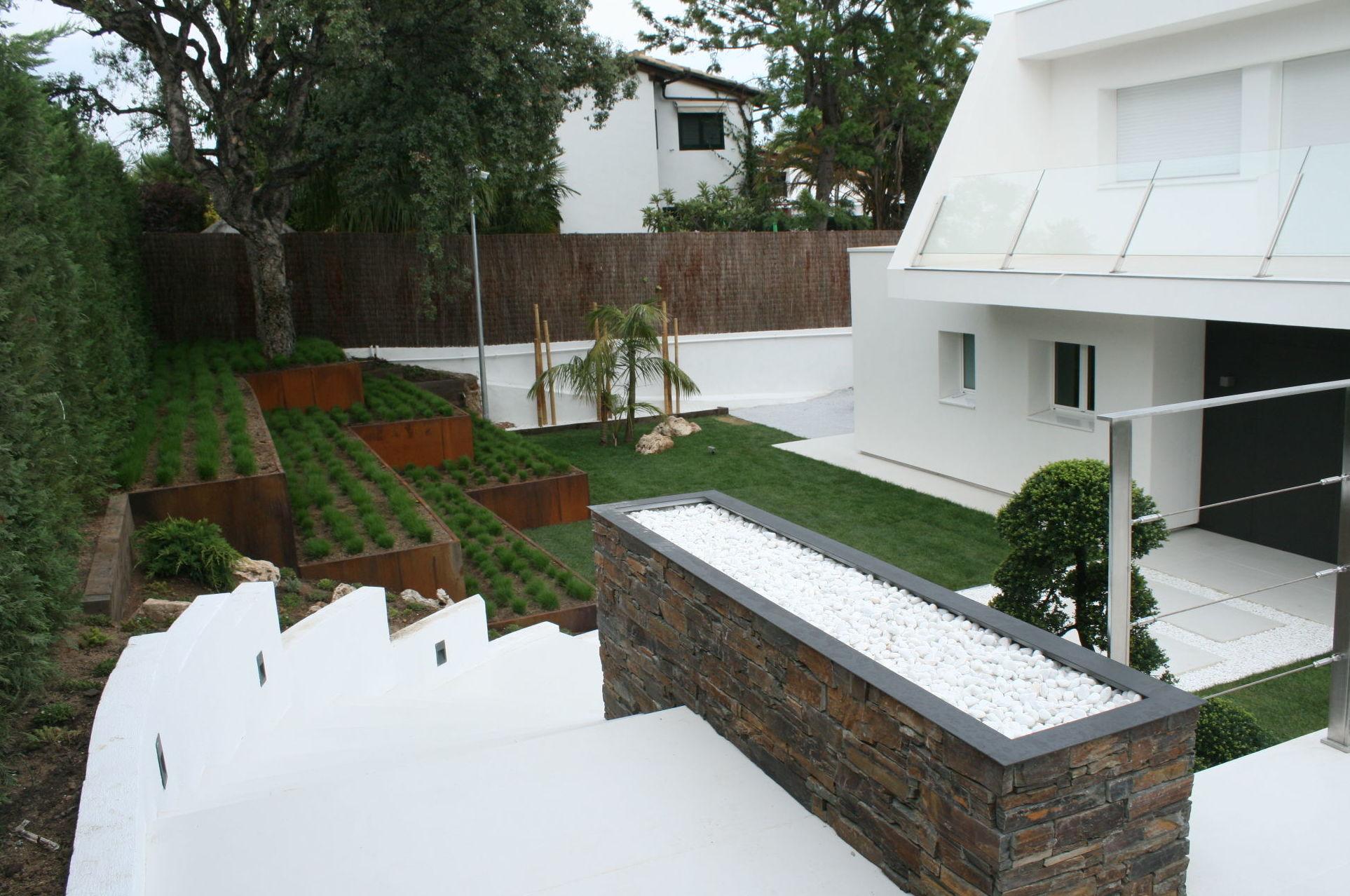 Jardines modernos minimalistas the for Casas minimalistas fotos