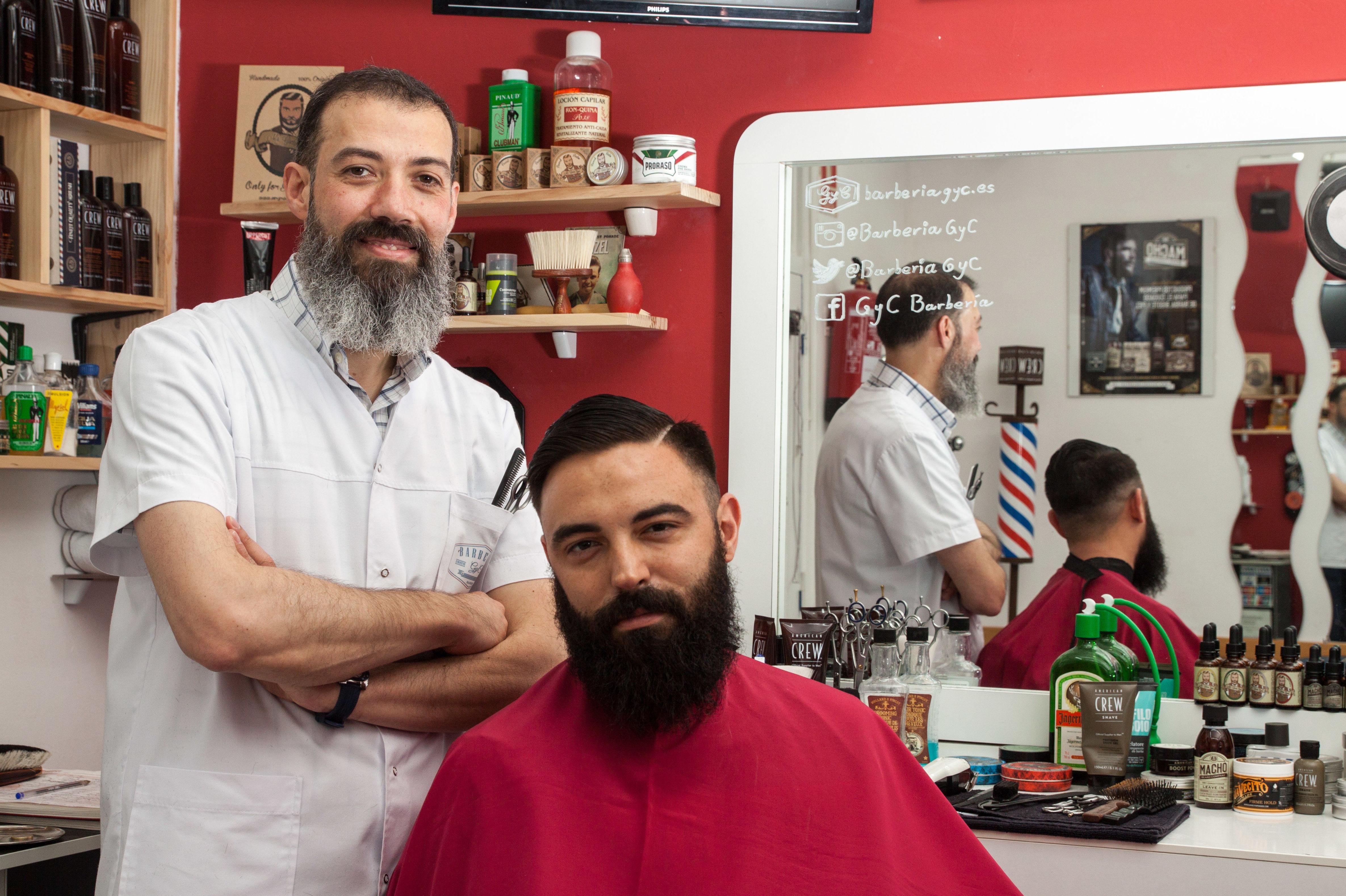Arreglos y perfilados de barba y bigote