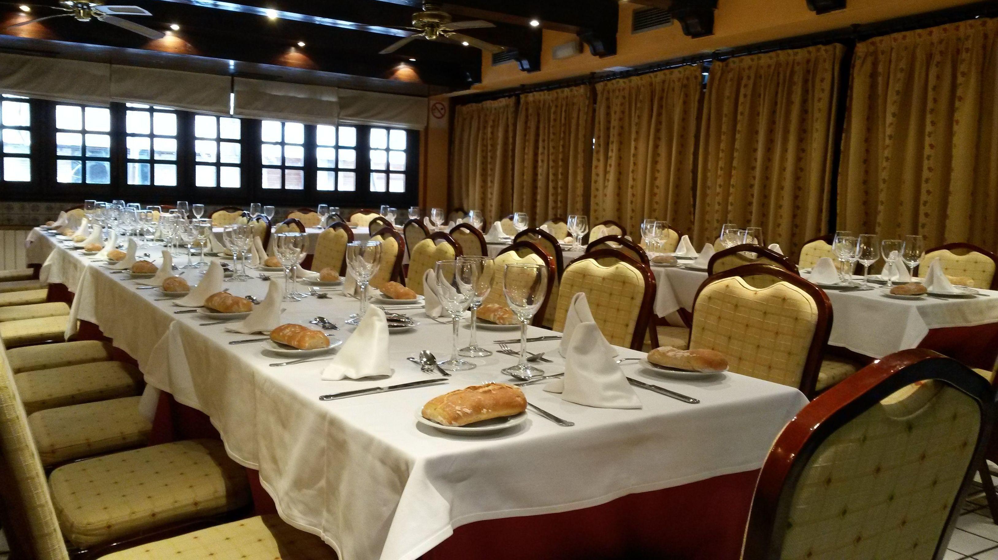 Foto 9 de Cocina tradicional en Madrid | Restaurante Mesón Del Cid