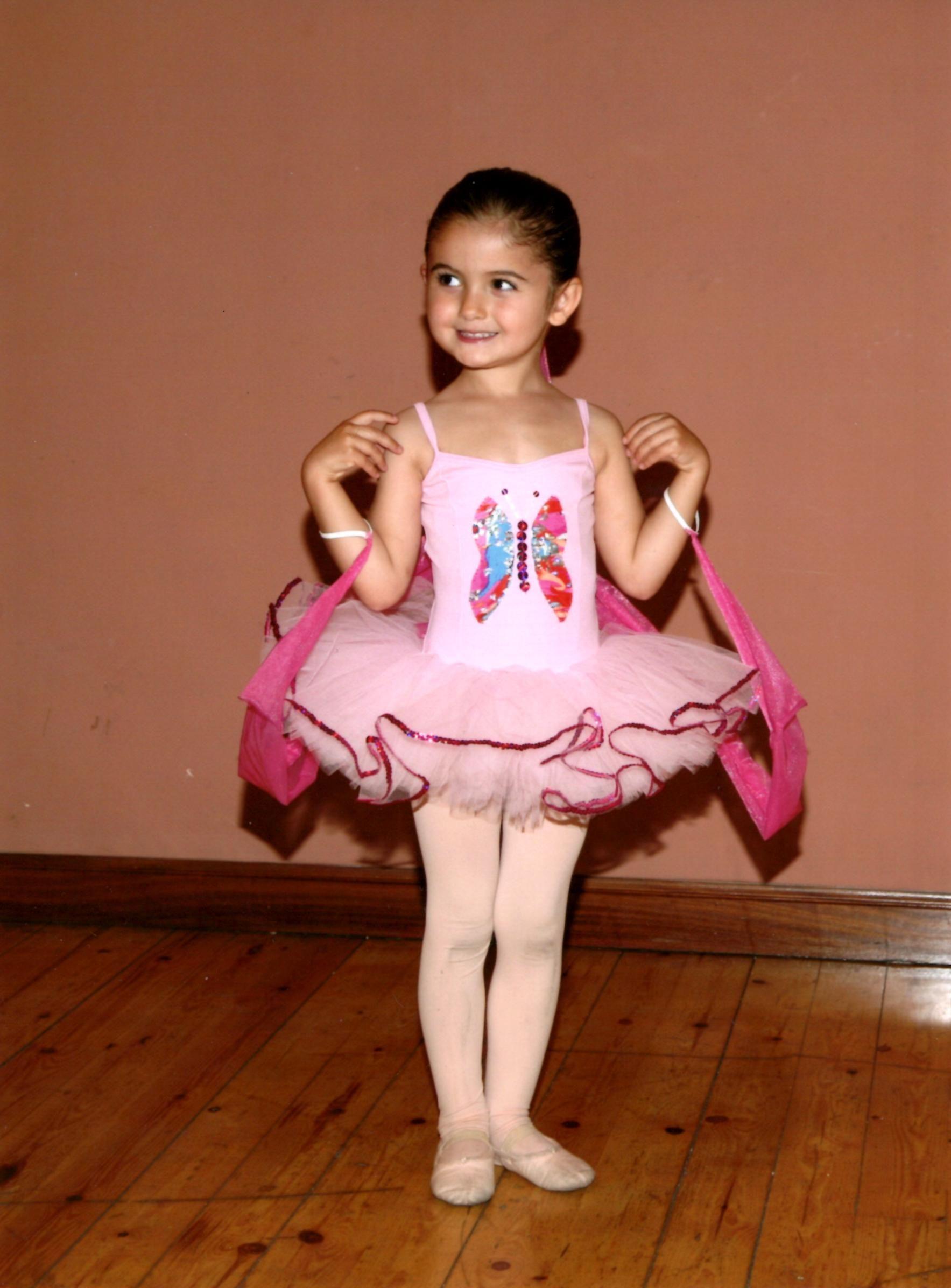 Foto 29 de Escuelas de música, danza e interpretación en Bilbao   Estudio de Ballet Ana Mª Aurrecoechea