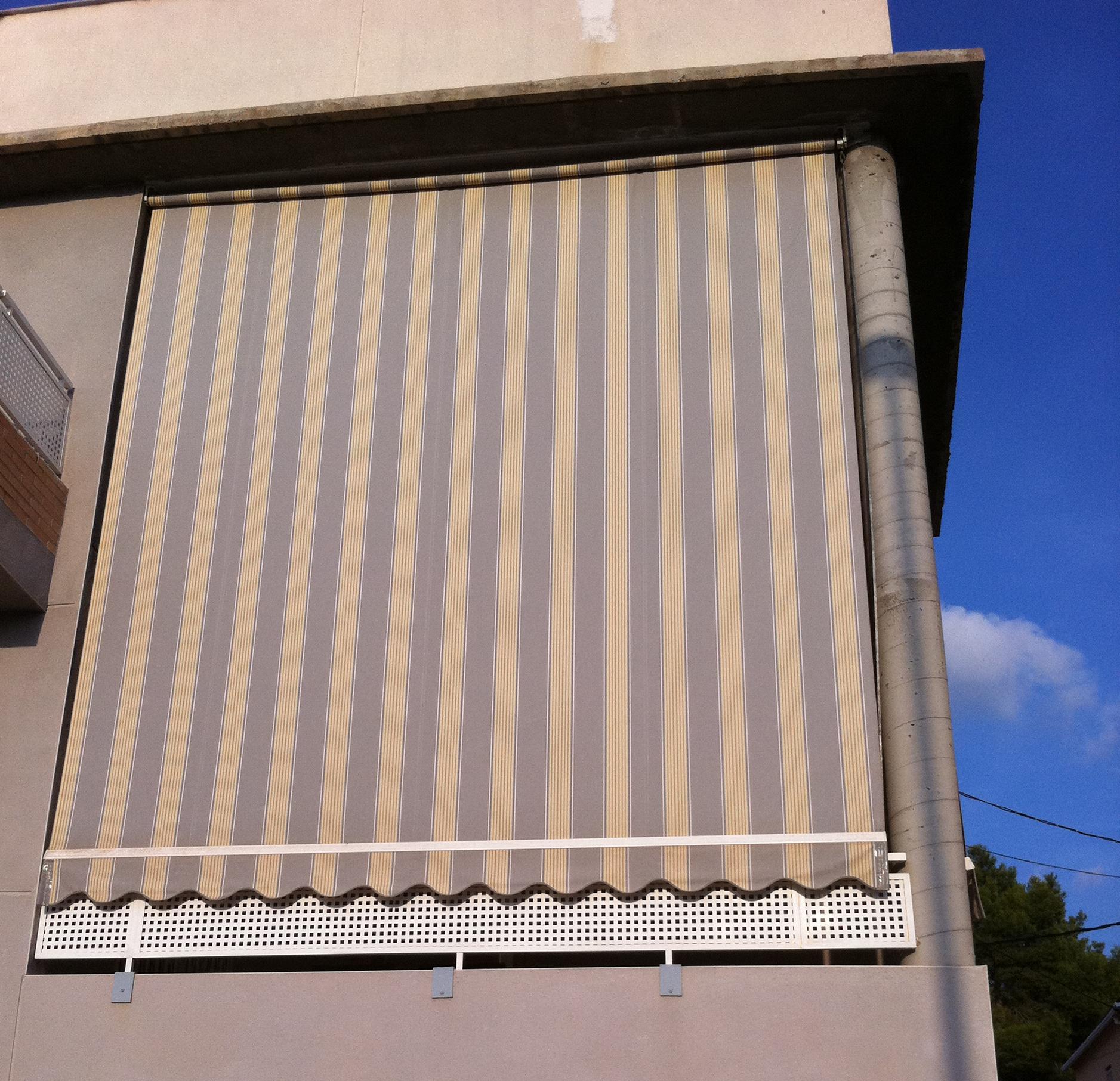1 1 toldo brazo barandilla cat logo de toldos gea for Toldos balcon baratos