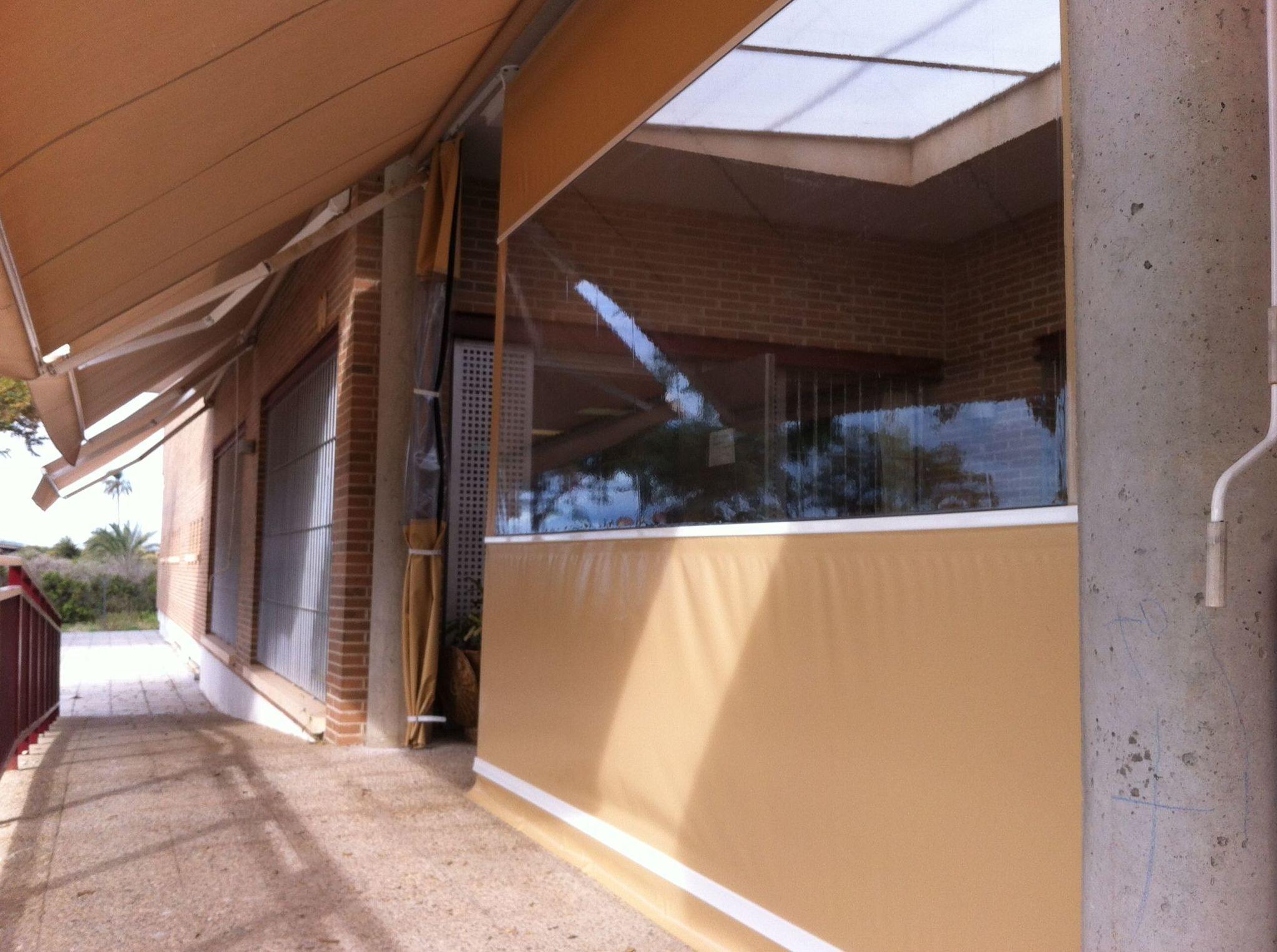 Cerramiento de terrazas cat logo de toldos gea - Cortinas toldo para terrazas ...