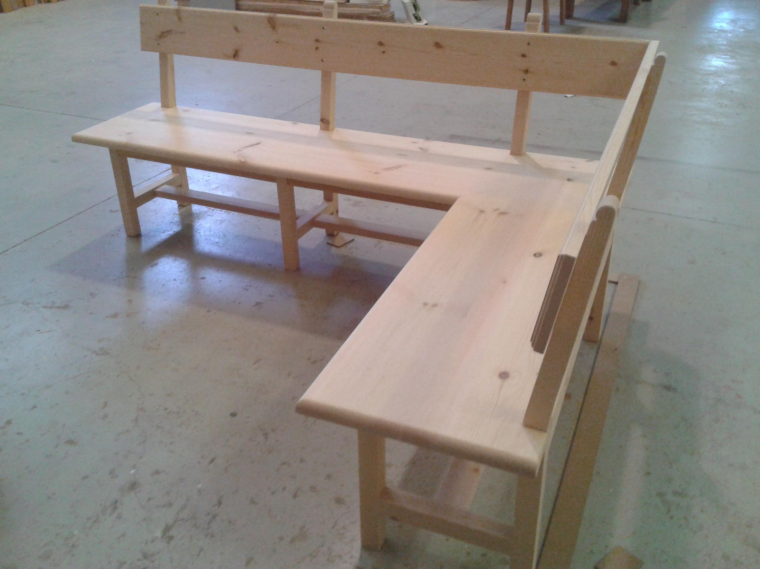 Banco en madera de pino