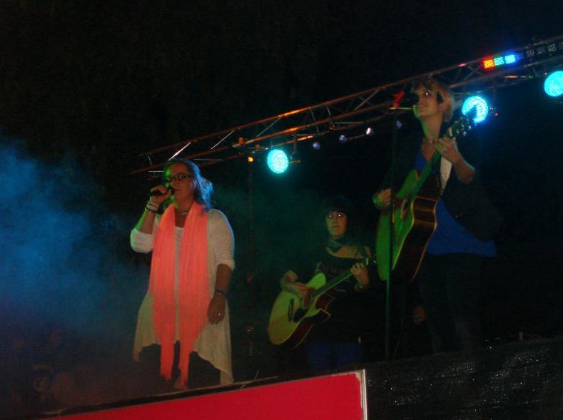 Actuación de la escuela Marand Musical