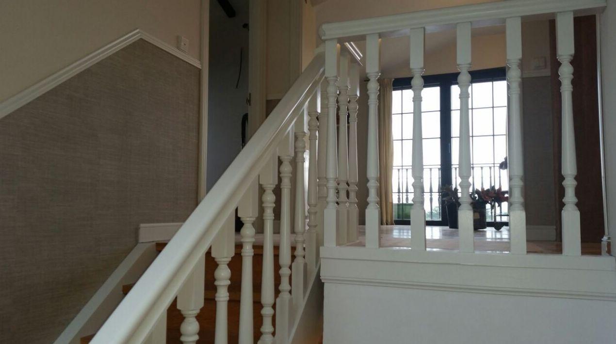 Lacado de baranda de escaleras