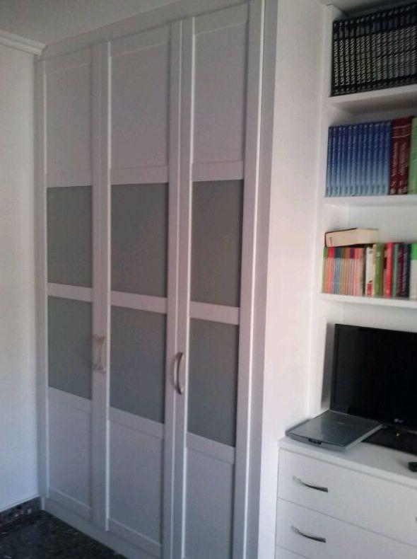 armario empotrado con puertas abatibles para saln