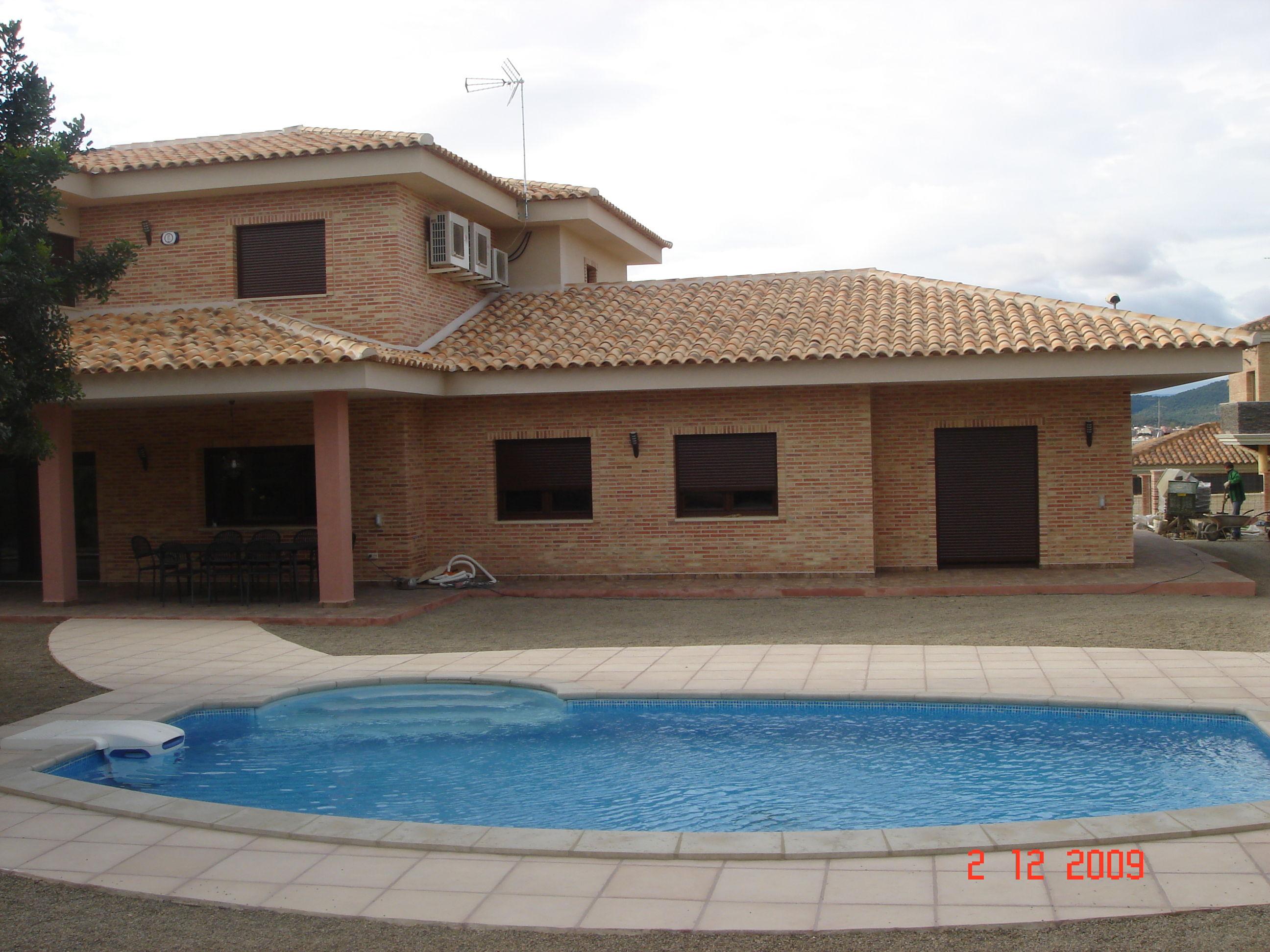 Reparaci n de tejados y cubiertas en valencia for Piscina cubierta lliria