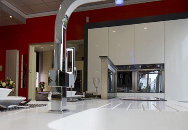 Muebles de cocina baratos en Bilbao encimeras limpias y brillantes