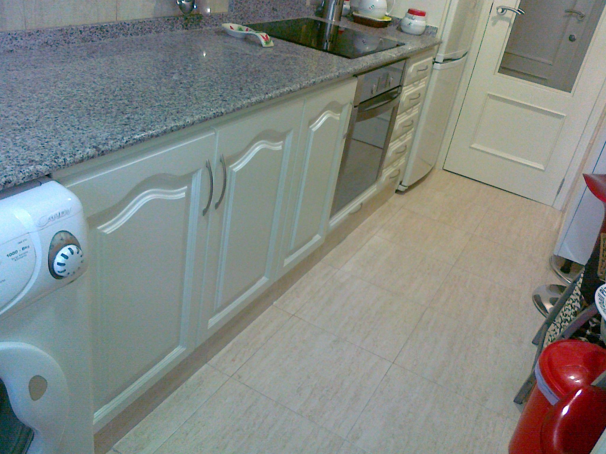 Lacar muebles cocina pintar muebles de cocina de madera - Pintar muebles de madera en blanco lacado ...
