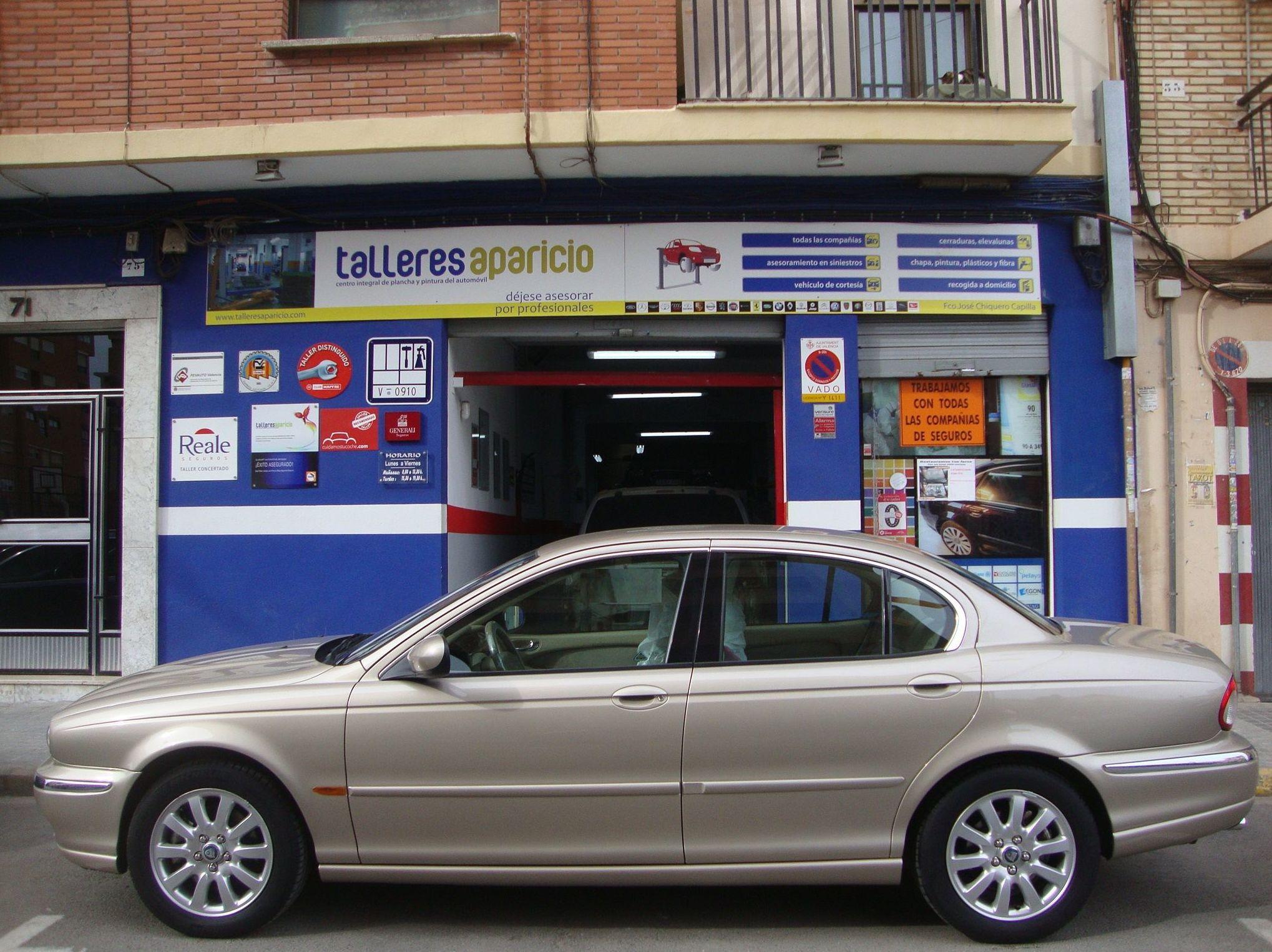 Foto 35 de Talleres de chapa y pintura en Valencia | Talleres Aparicio Autochiquero