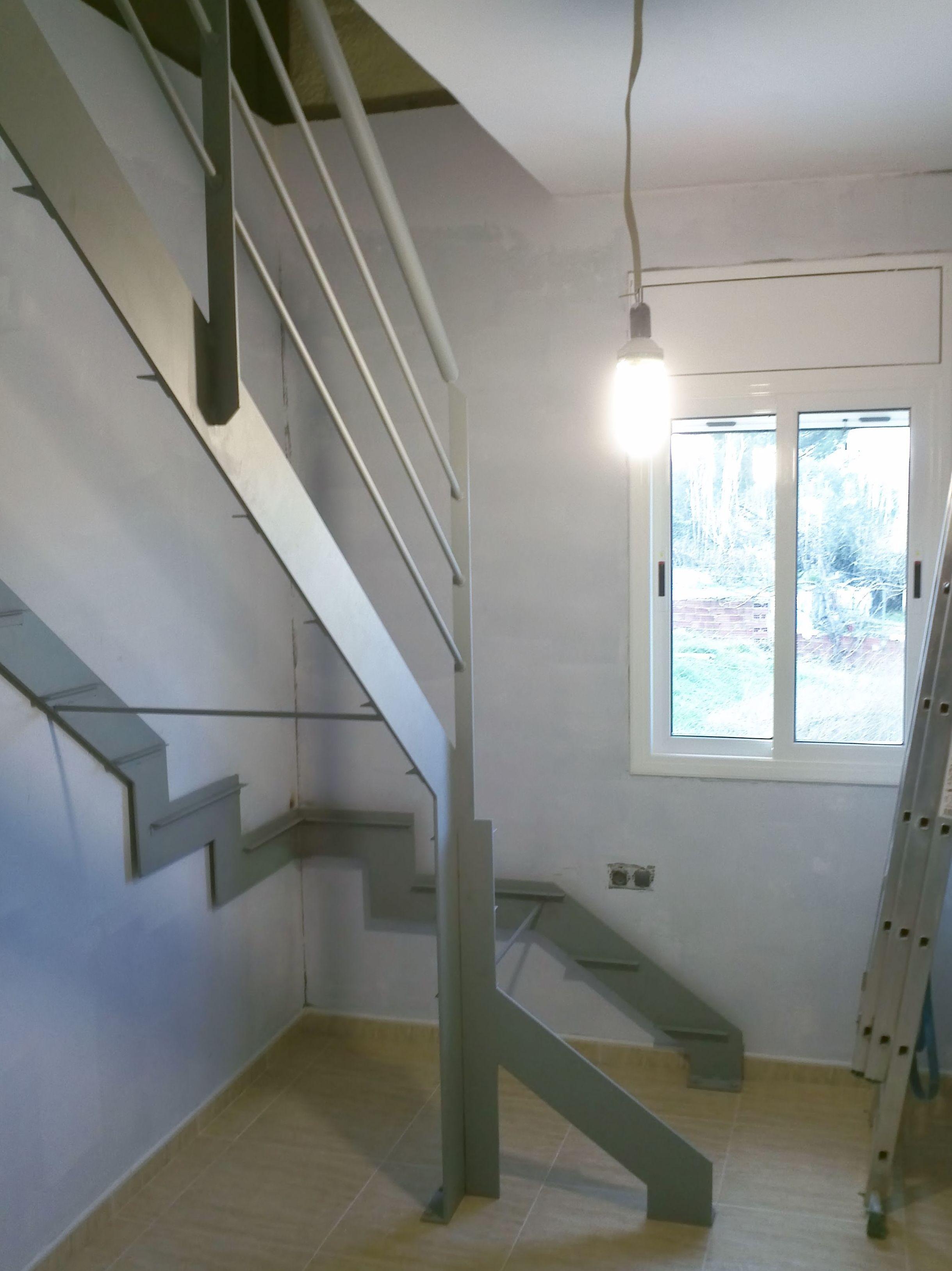 realizacin de escalera metlica interior
