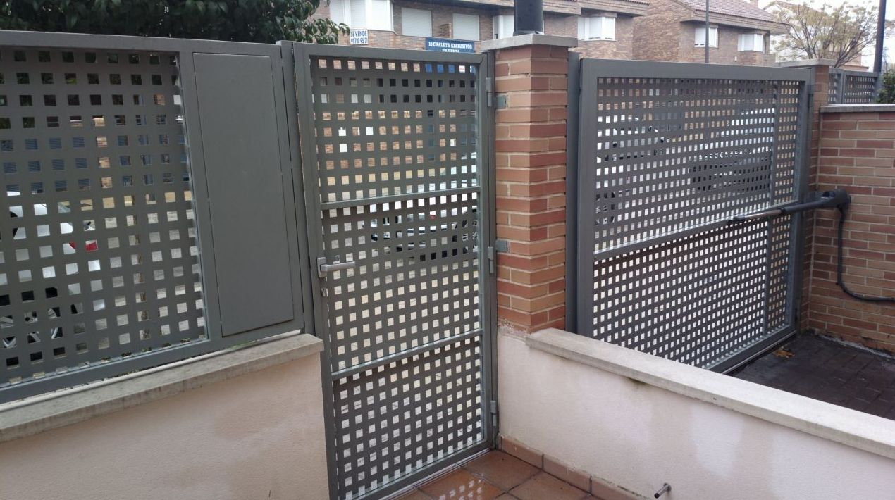 Puertas metalicas exteriores simple puertas exteriores for Puertas metalicas precios