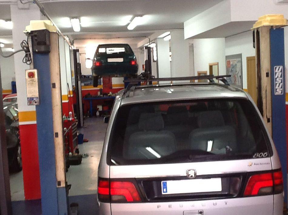 Reparaci n de coches antiguos en valencia talleres - Reparacion relojes antiguos valencia ...