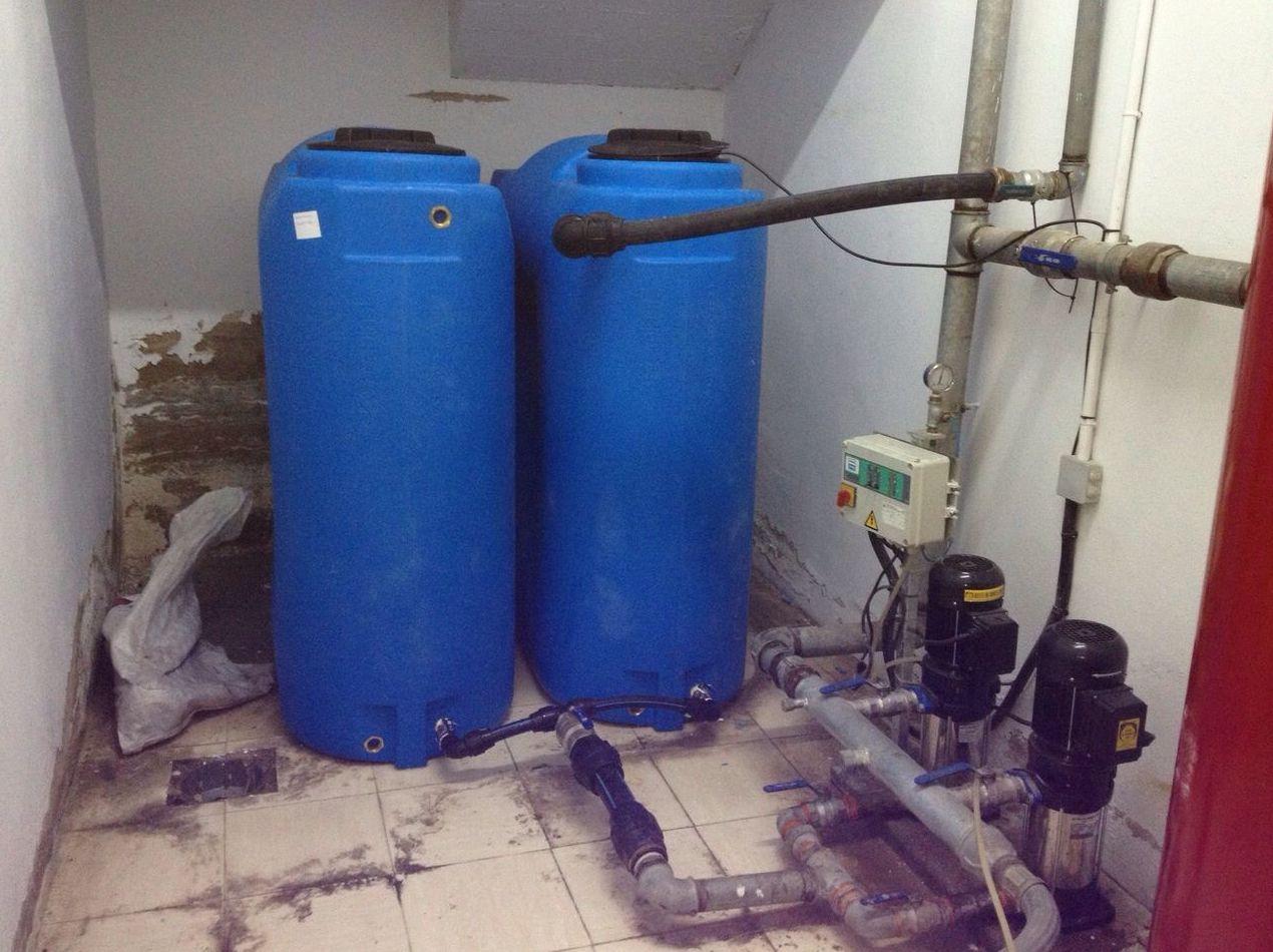 Fontanería, depósitos de agua y grupos de presión