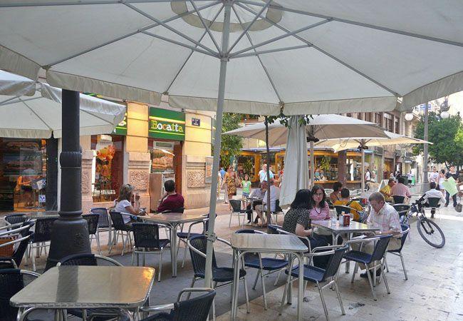 Toldos para terrazas en asturias zona de fumadores en - Toldos terrazas bares ...