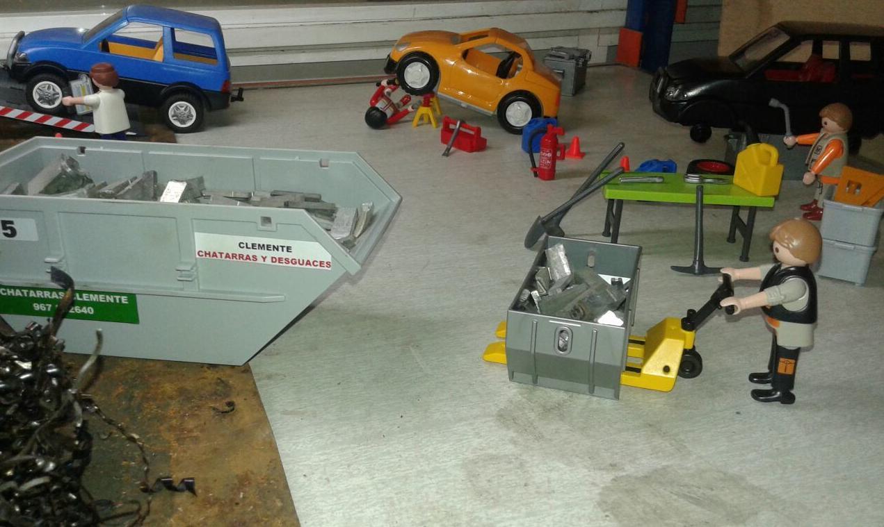 Contenedores de Chatarras y metales de playmobil en Chatarras Clemente de Albacete