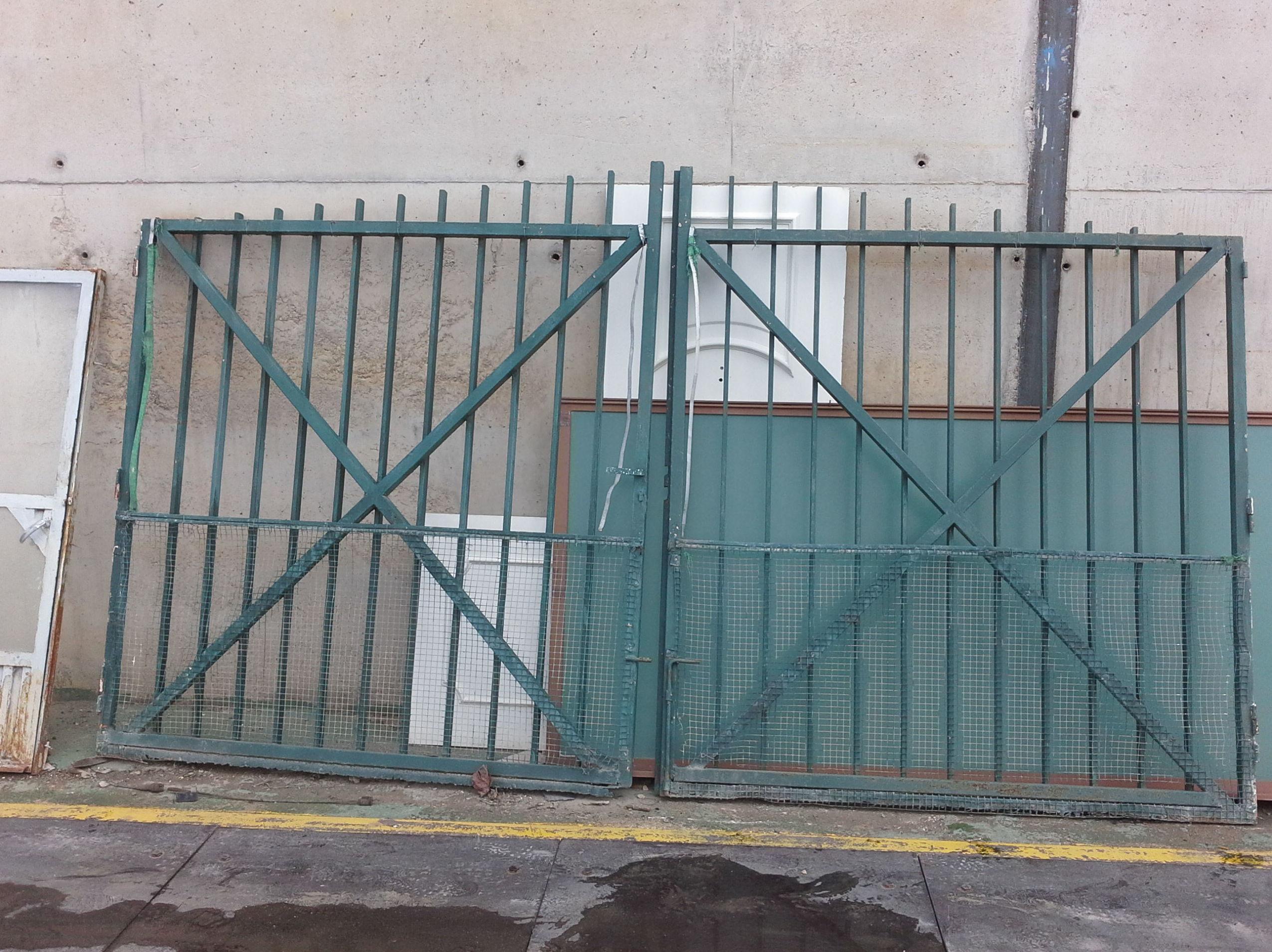 puertas de parcela en chatarras clemente de Albacete