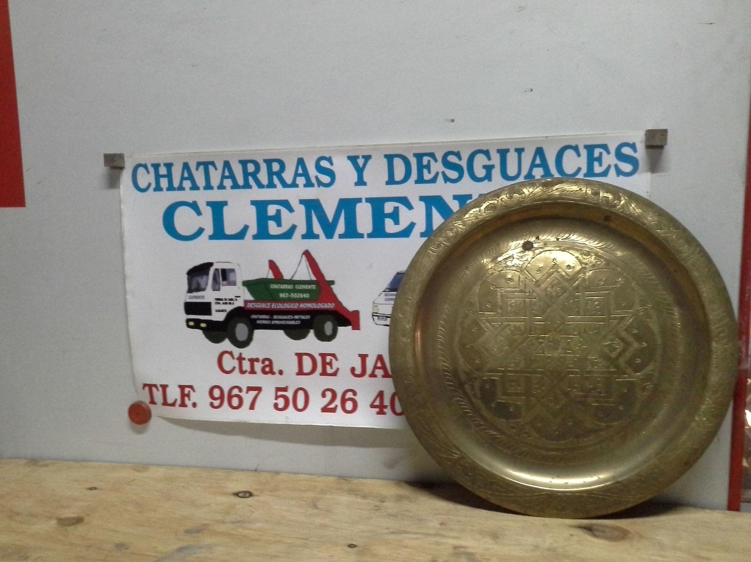 plato de laton. antiguedad en chatarras clemente de Albacete