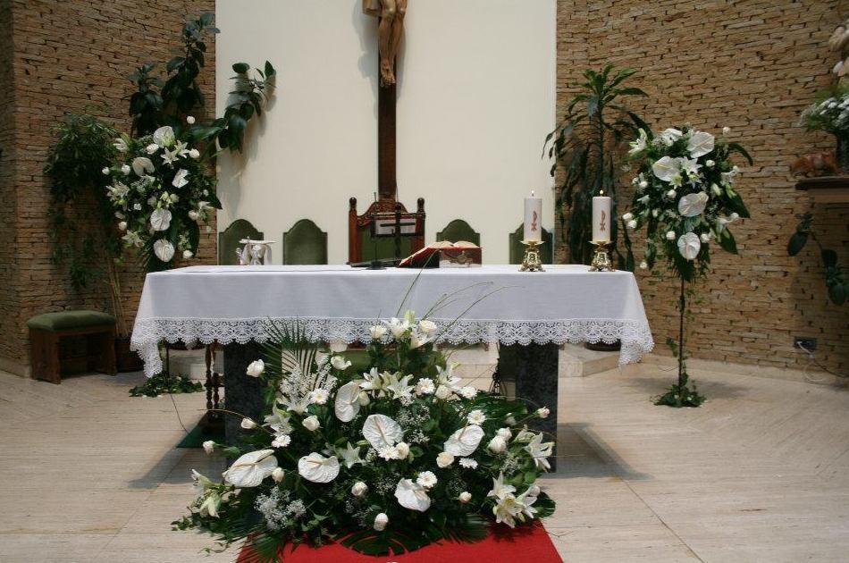 DECORACIÓN FLORAL DE IGLESIAS EN LEÓN