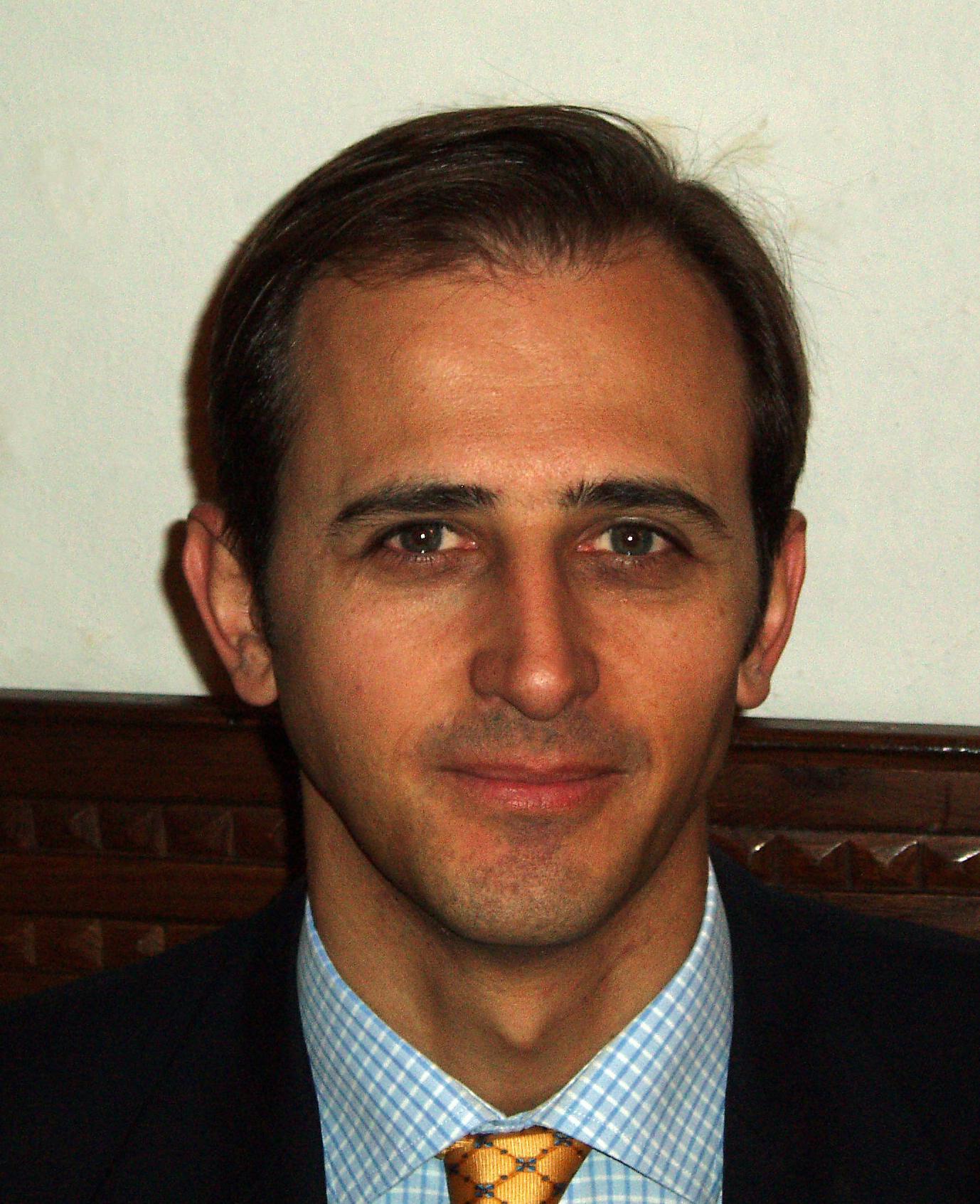 Dr. Santolaria