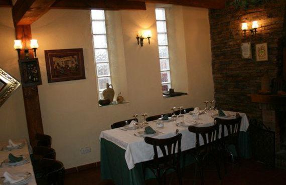 Foto 15 de Restaurantes en RIAZA | Restaurante Asador  El Encinar