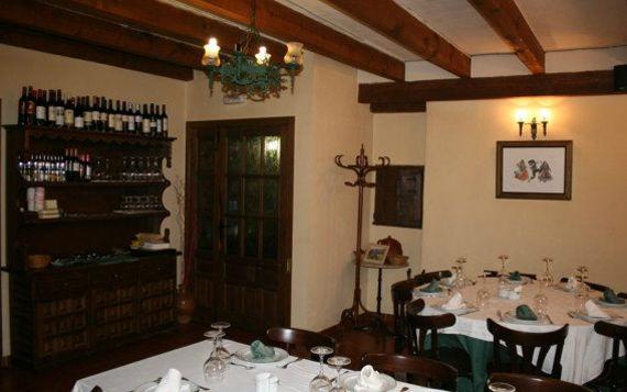 Foto 16 de Restaurantes en RIAZA | Restaurante Asador  El Encinar
