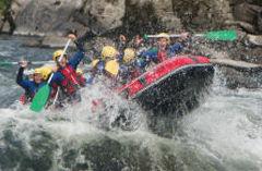 Ofrecemos todo tipo de actividades como barranquismo, rafting, kayak...