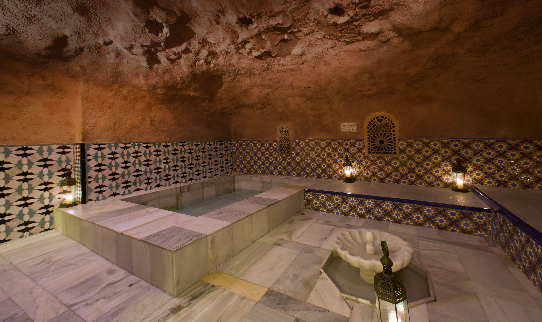 Baños Arabe De Granada: de una tradición de la provincia: los baños árabes en Granada
