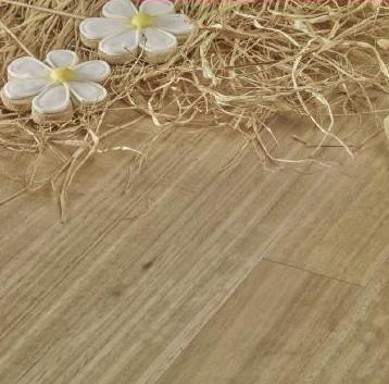Instalacion tarima maciza eucalipto Asturias y venta España