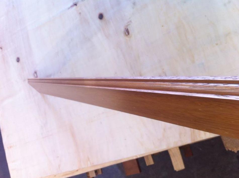 OFERTA zocalo o rodapie macizo madera de Iroco suministro a toda España