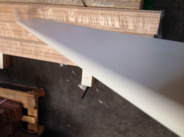 Instalacion zocalo lacado blanco macizo Asturias y venta España