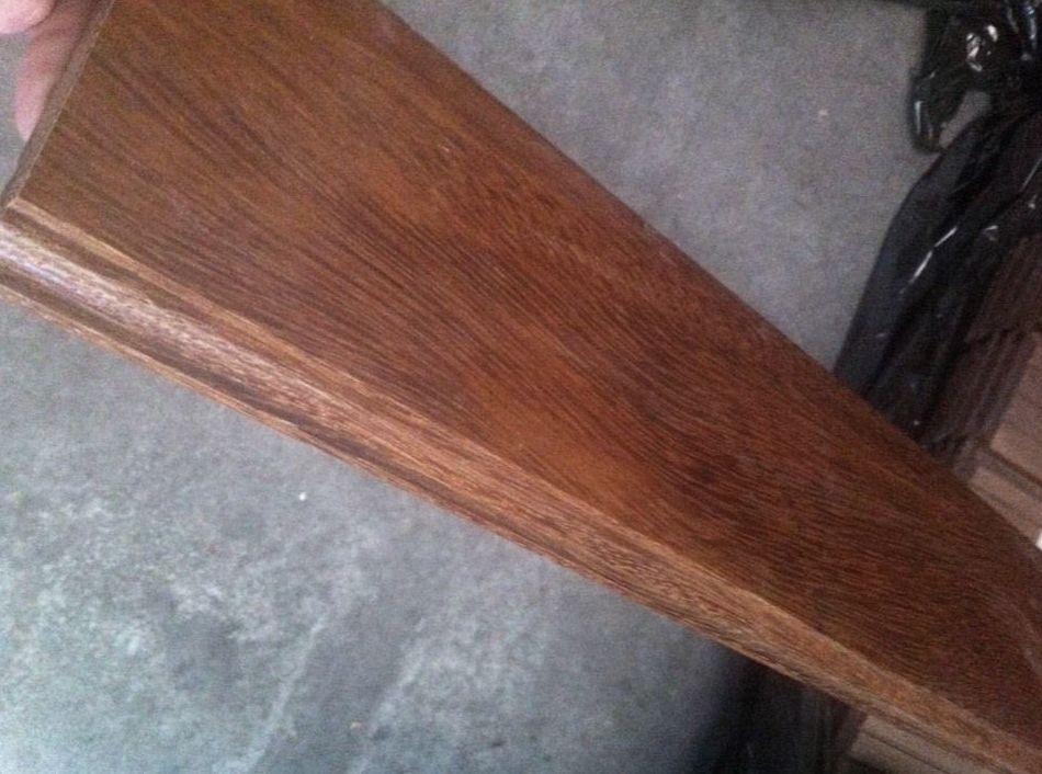zocalo macizo de madera de sucupira