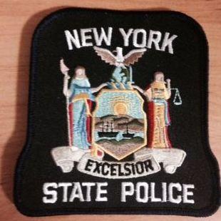 ESCUDO DE LA POLICÍA DEL ESTADO DE NUEVA YORK