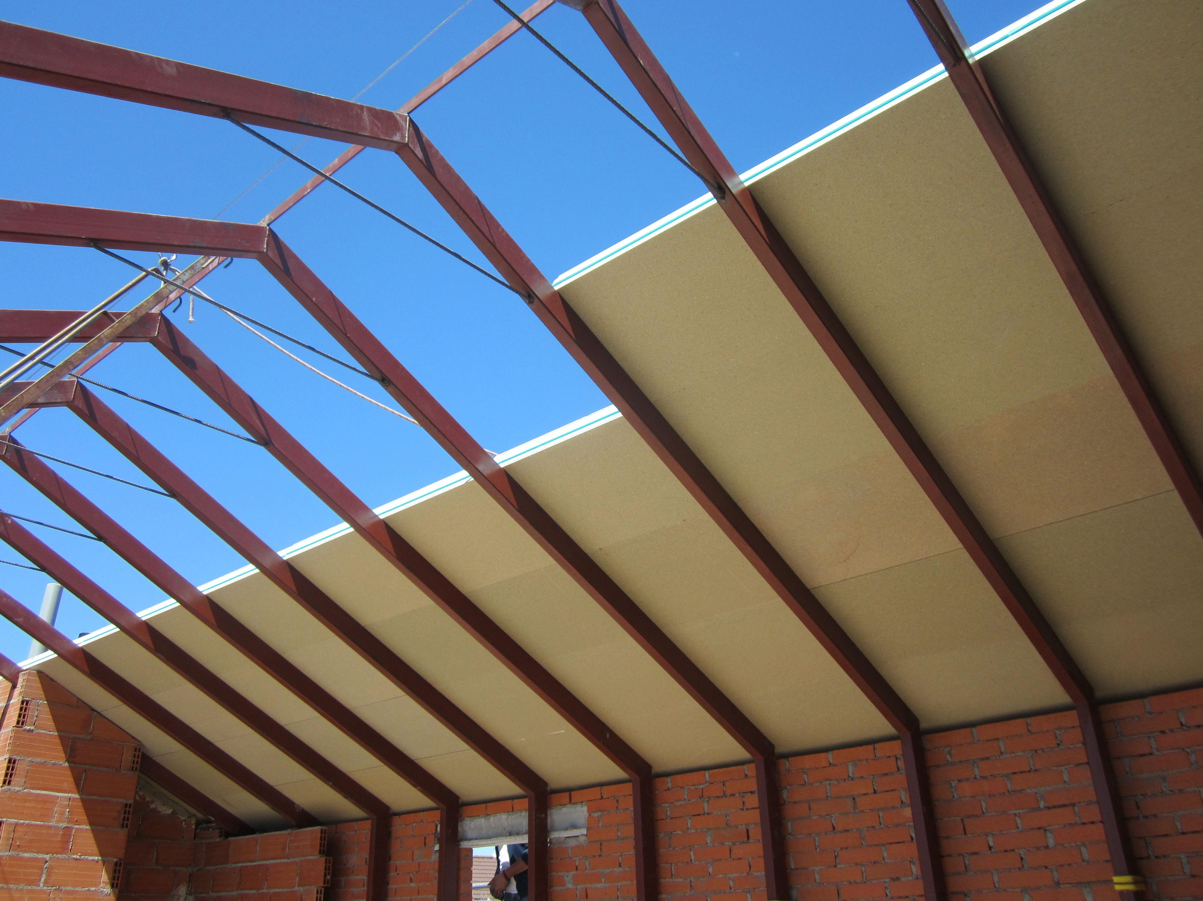 Cubiertas metalicas sandwich materiales de construcci n para la reparaci n - Estructura metalica cubierta ...