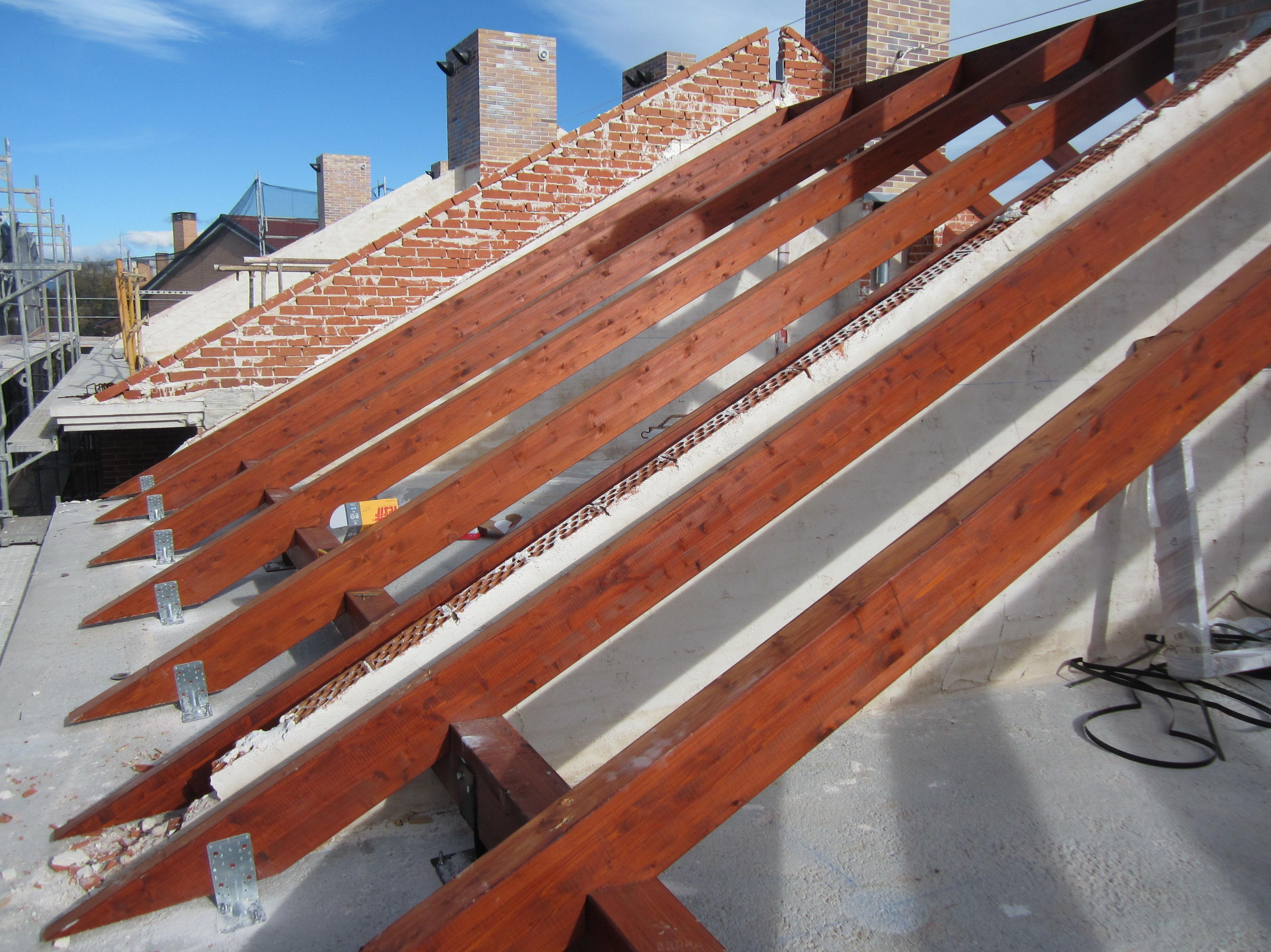 Cubiertas de pizarra sobre estructura de madera - Estructura madera laminada ...