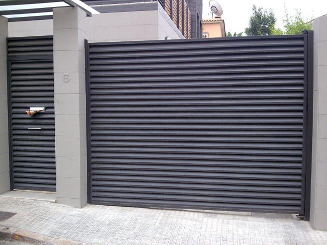 Cancela de hierro tipo veneciana productos y servicios de for Puertas venecianas