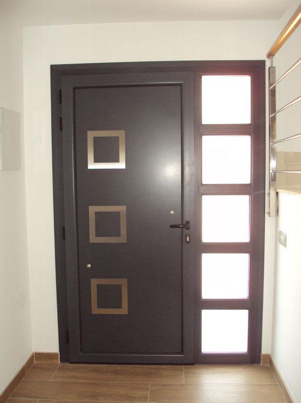Puertas de entrada de aluminio productos y servicios de for Puerta entrada aluminio
